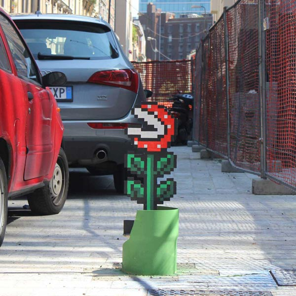 A street art artwork inspired to Super Mario Bros carnivorous plant, by Pao.
